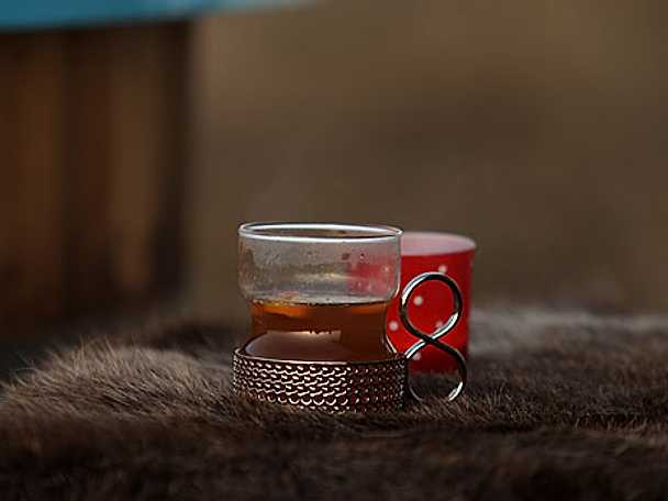Varm tedryck med whisky