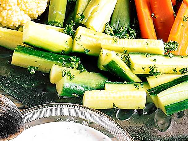 Varma grönsaker med örtsås