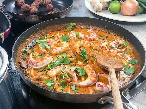 Vegansk scampi i röd curry