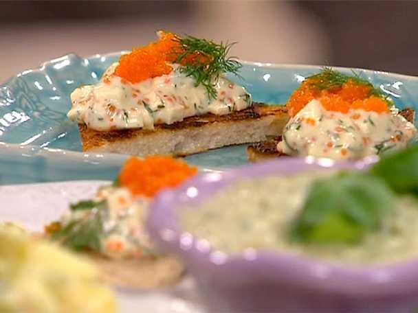 Vegantoast med tofu och tångkaviar