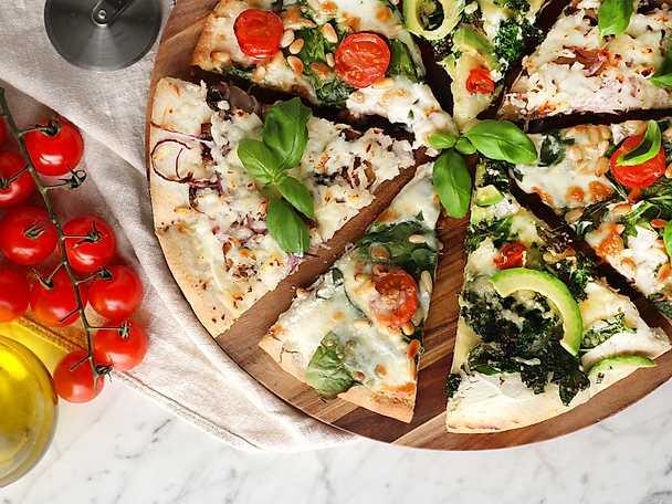 Vegetarisk pizza bianco på tre sätt