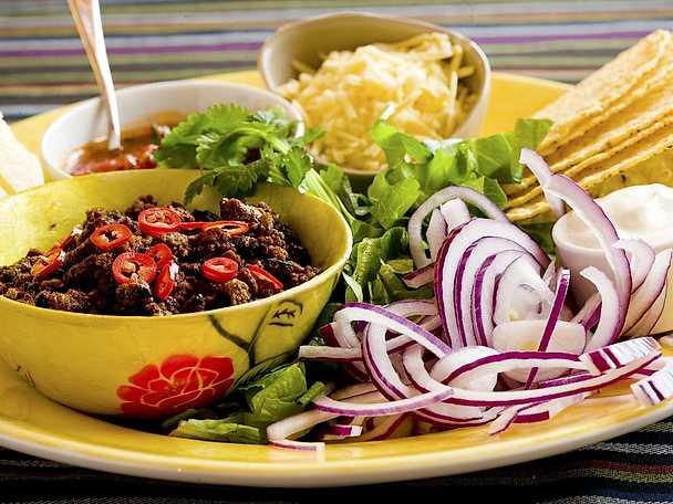 Vegetariska tacos med salsa
