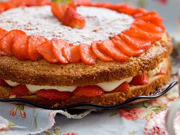 Victoria spongecake - jordgubbstårta