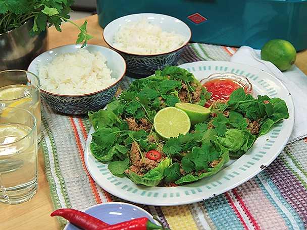 Vietnamesisk fläskfärs i salladsblad