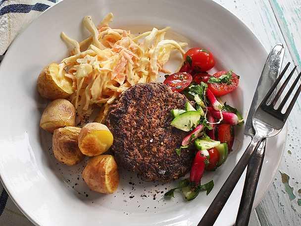 Viktväktarna Grillade nötfärsbiffar med het coleslaw