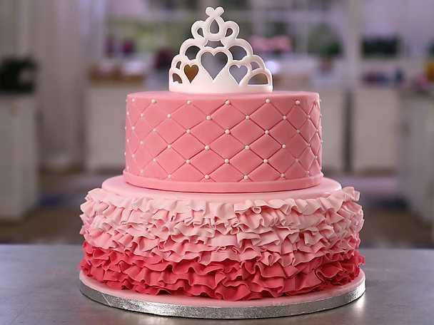 Volangdekoration och rutmönster på tårta - se & gör