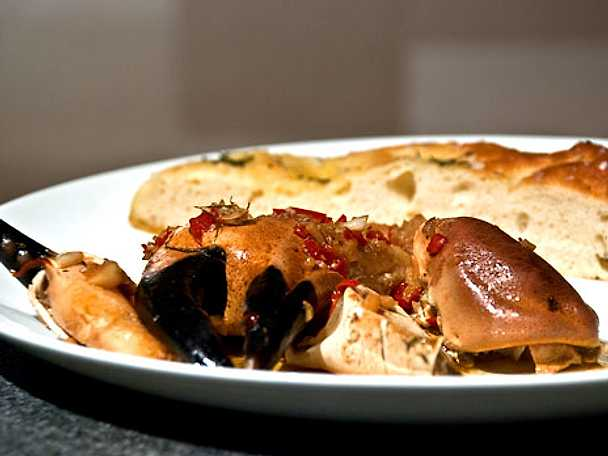 Wokade krabbklor i chili och vitlök