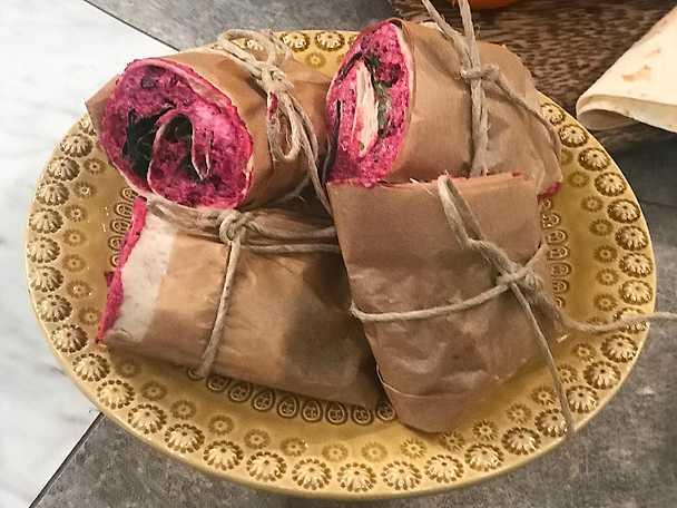 Wrap med rödbetor, valnötter och getost