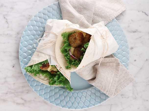 Wrap med vegetariska morotsbullar