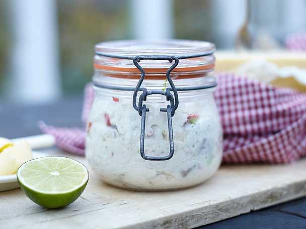 Yoghurtsill med chili, lime och ingefära