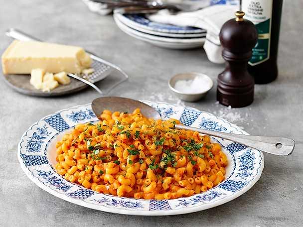 Zeta Maccaronetti med tomat- och paprikasås