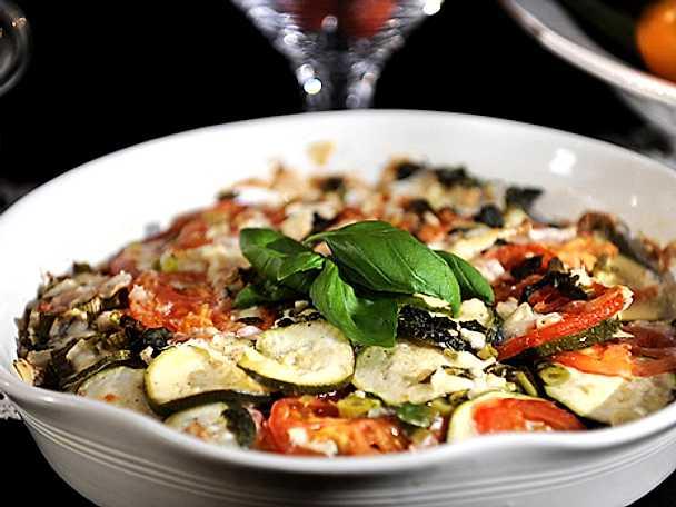 Zucchini- och tomatgratäng