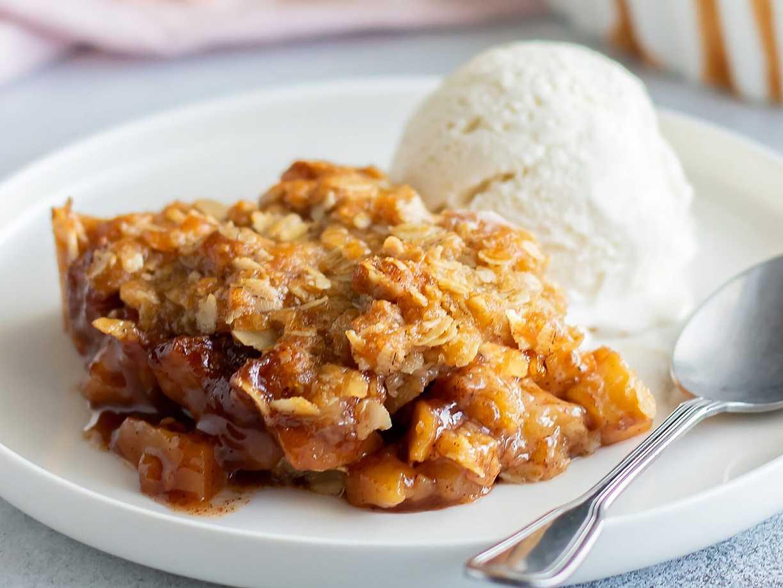 äppelpaj med knäcktäcke recept
