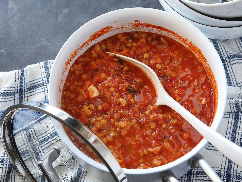 linssoppa krossade tomater