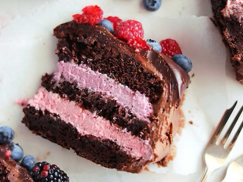 tårta chokladbotten hallonmousse