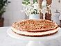 Cheesecakeäppelpaj med krispig nötbotten